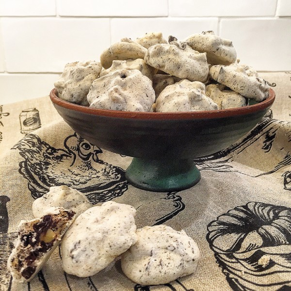 Forget-Me-Not Meringue Cookies