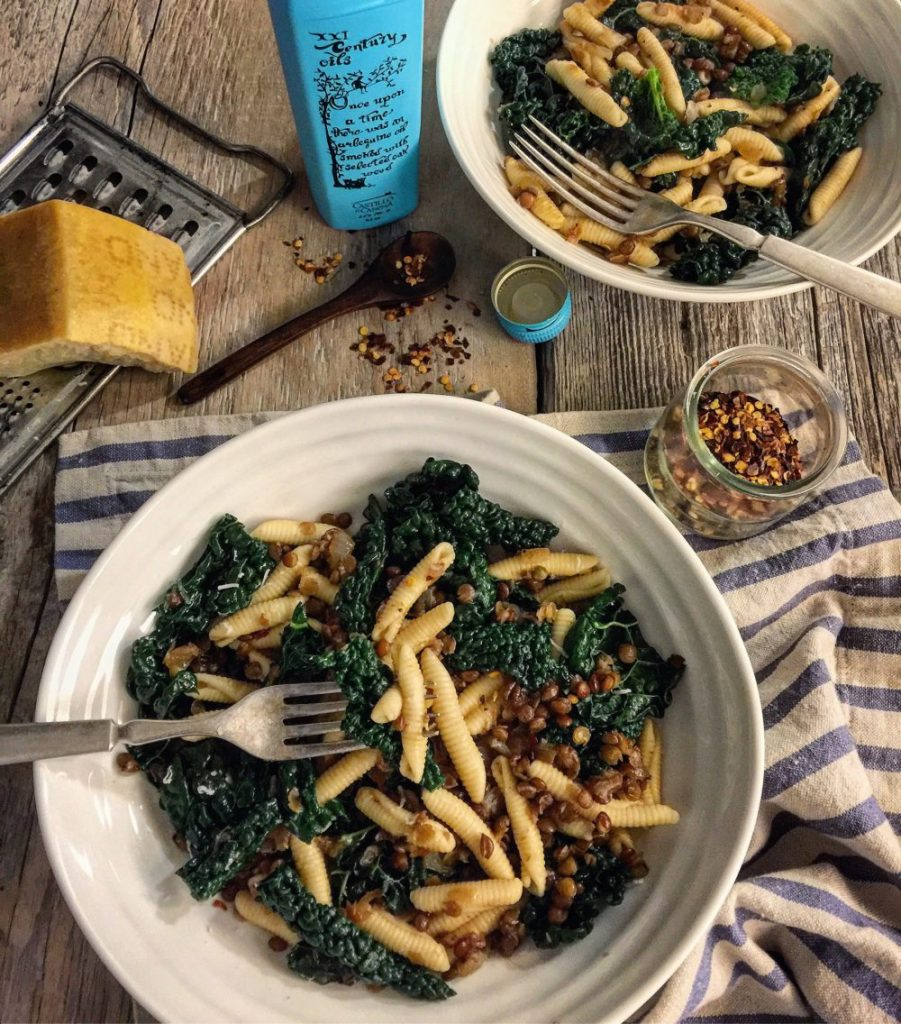 Pasta with Kale, Lentils and Caramelized Onions