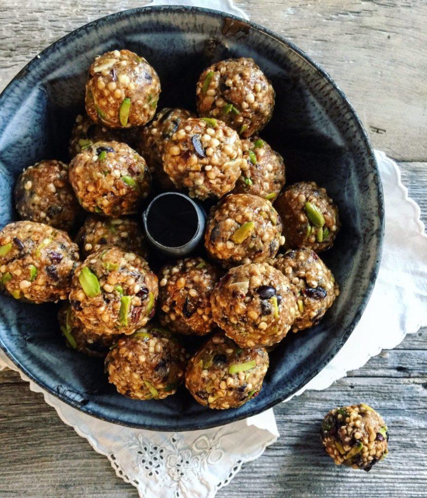 Pistachio, Cocoa Nib and Quinoa Bliss Balls