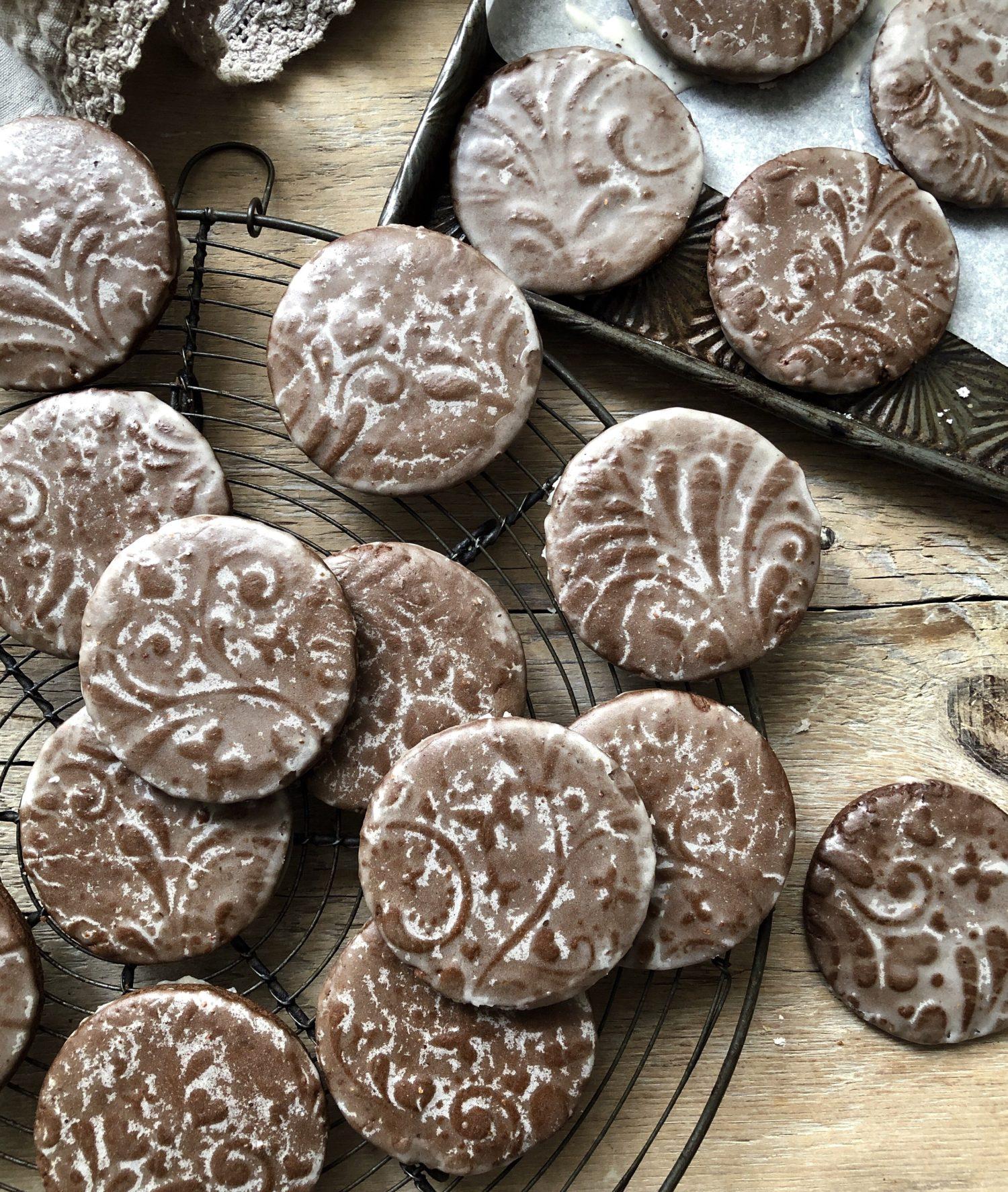 Gingerbread cookies using embossed rolling pin