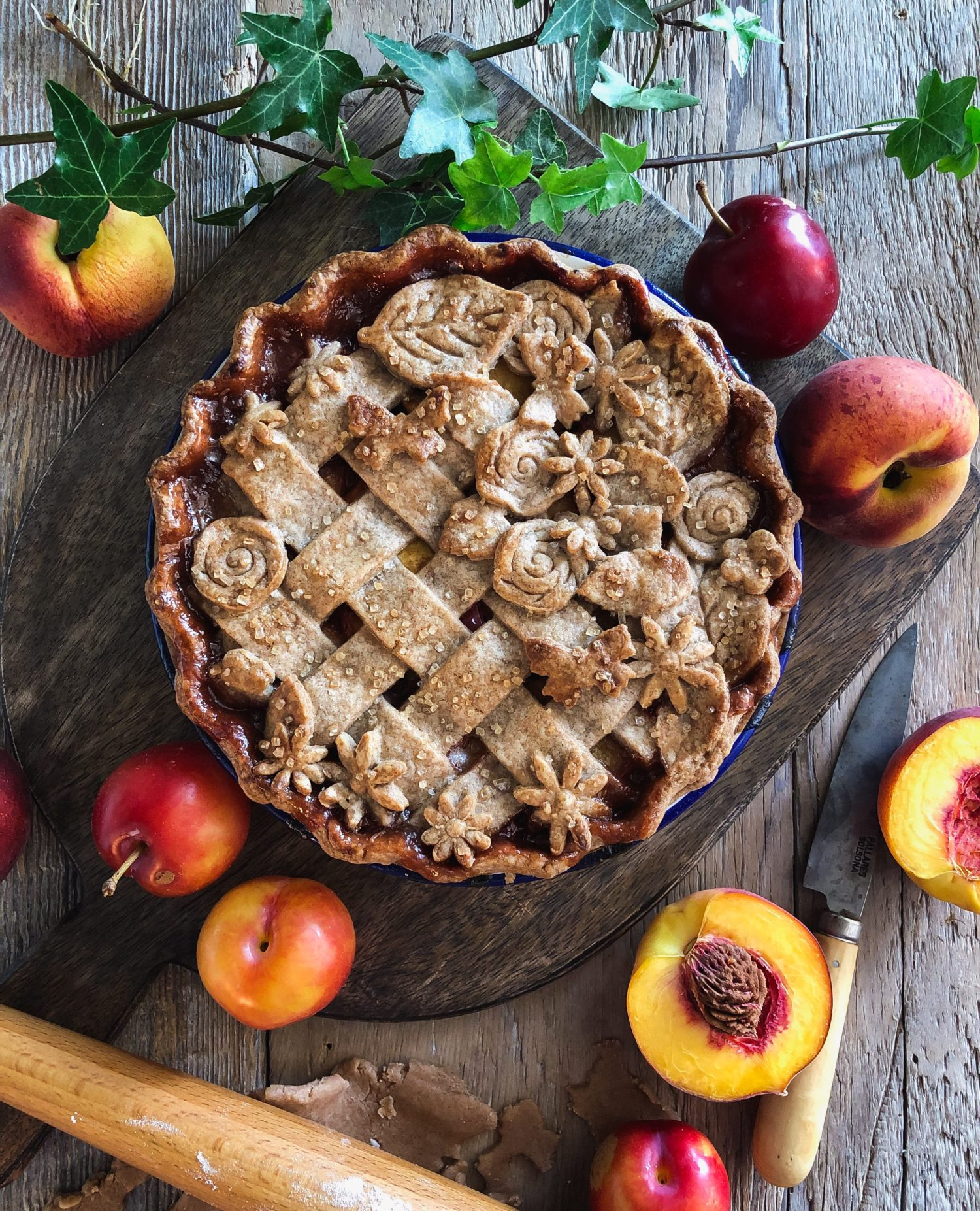 Stone fruit and spice pie