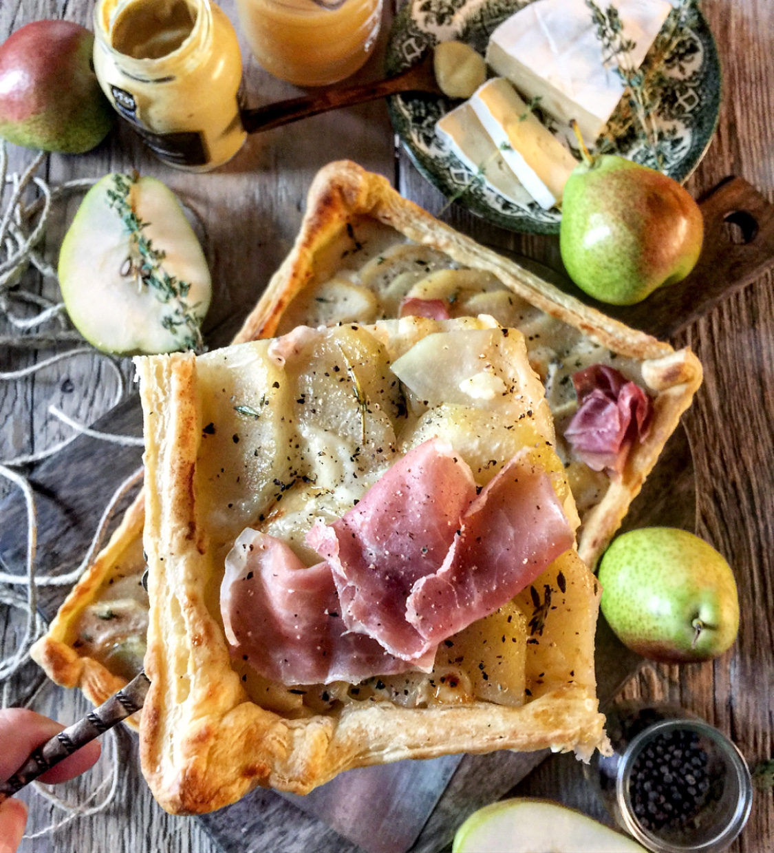 pear brie and prosciutto tart